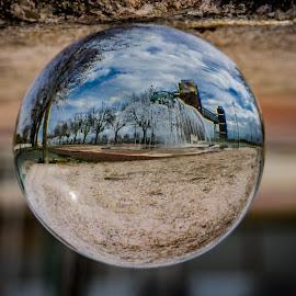 Bolinha de Cristal by Adriano Freire - Artistic Objects Glass ( imagem, bola, vidro, invertido, cristal )
