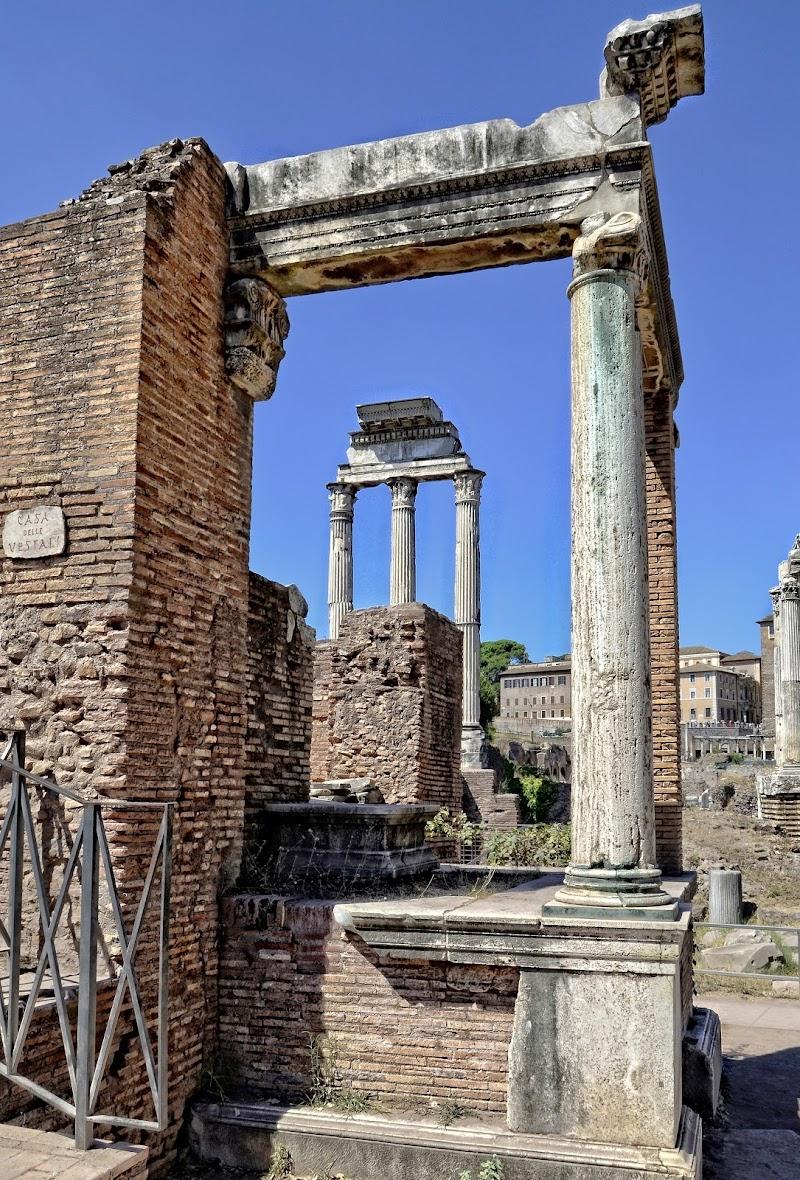 Cornice monumentale di GVatterioni