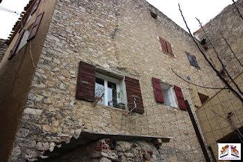maison à Esparron (83)