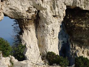 Photo: Le Rocher des Deux Trous