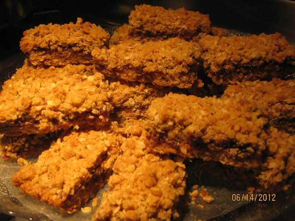 Fruity Oatmeal Bars Recipe