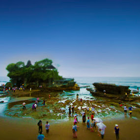 Tanah Lot by Victor Lin - Landscapes Travel
