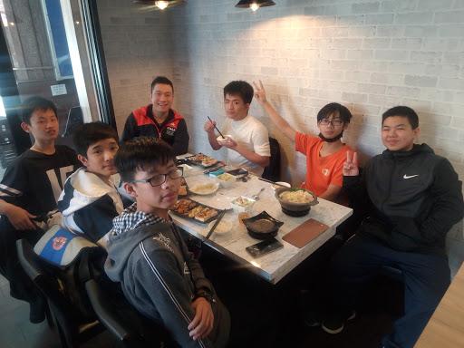 easy鐵板料理、火鍋 (已歇業)