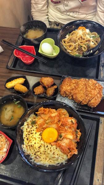 Cp值很高 +99元升套餐 可以挑兩個附餐  但丼飯沒有吃到很驚艷的感覺 最好吃的竟然是炸豬排!!