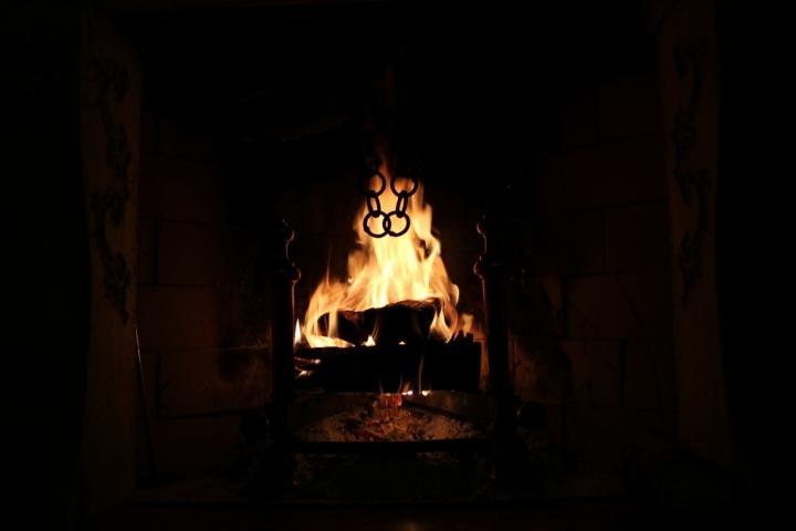 Scrutando tra le fiamme di lorenza84