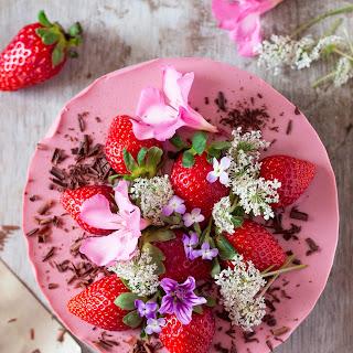 Vegan Strawberry Cheesecake (oil-free)