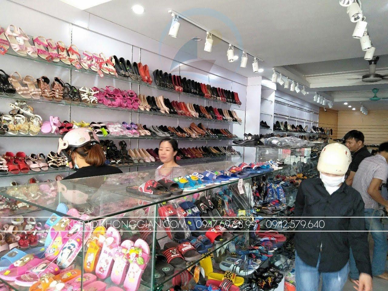 thiết kế thi công nội thất shop giày dép thời trang 4