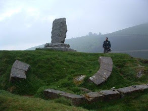 Photo: Pyrenäen: Rolanddenkmal bei Roncesvalles