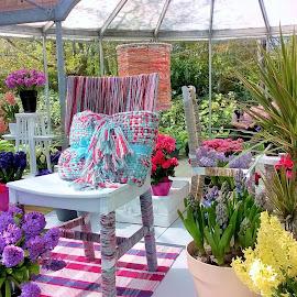 The various flower compositions in interior by Svetlana Saenkova - Instagram & Mobile Other ( flowers, keukenhof, holland, design, colourful, interior )