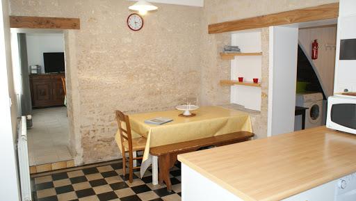 Cuisine gîte Le Relais pour 4 à 5 personnes à Surgères en Charente-Maritime Aunis Marais Poitevin