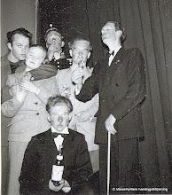 Photo: Bygdegården 1952 Amatörteater. Åke Frykberg , Gun Eriksson, Jörgen Jörgenssen, Per Boäng, Gunnar Persson, Rolf Karlsson