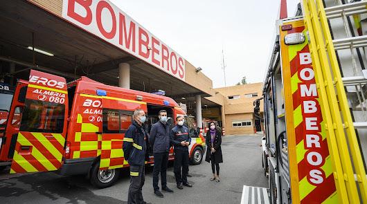 El parque de bomberos de Almería incorpora dos nuevos vehículos