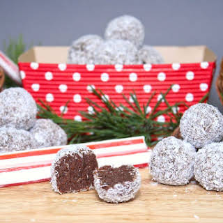 Paleo Peppermint Fudge Snowballs.