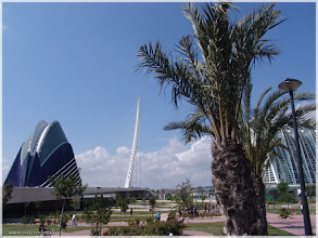 Photo: Vista general ( Ciudad de las Artes y las Ciencias -Valencia) http://www.viajesenfamilia.it/