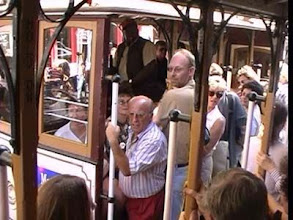 Photo: tramvaj míjí tramvaj
