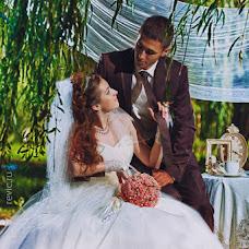 Wedding photographer Vladimir Revik (Revic). Photo of 17.04.2014