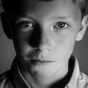 In these eyes... by Vix Paine - Babies & Children Child Portraits ( blackandwhite, headshot, beauty, preteen, boy,  )