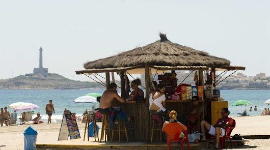 Andalucía ya tiene fecha para la reapertura de las playas y chiringuitos
