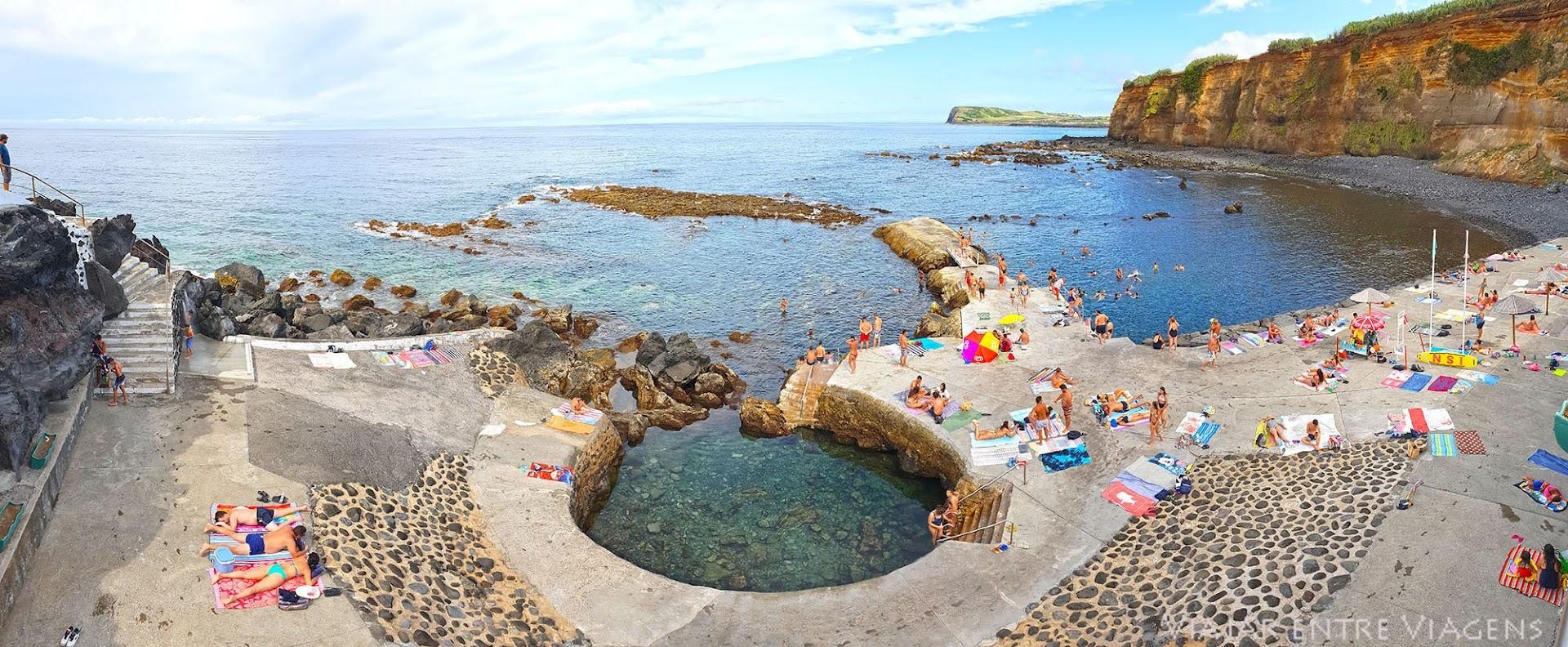 Passar a tarde na zona balnear das Escaleiras, na ilha Terceira