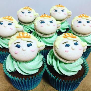 卡通macaron cupcake