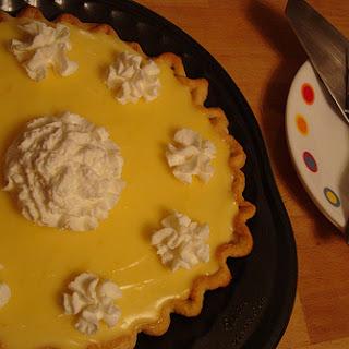 Lucious Sour Cream Lemon Pie