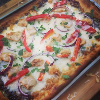 Barbecue (BBQ) Chicken Pizza.