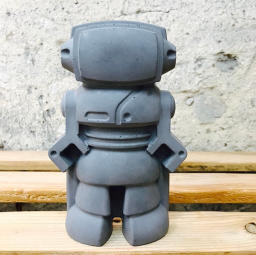 décoration en béton figurine robot déco geek