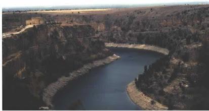Photo: Meandro encajado: Hoz del río Duratón (Segovia)