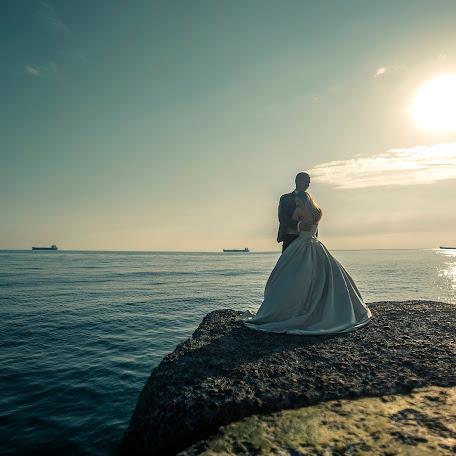 Wedding photographer Oksana Reznichenko (chameleon). Photo of 08.05.2017