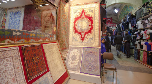 carpet-and-clothing-shop.jpg - A shop selling Turkish carpets and clothing along the Grand Bazaar in Istanbul.