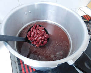 Red Kidney Beans (Pressure Cooker)