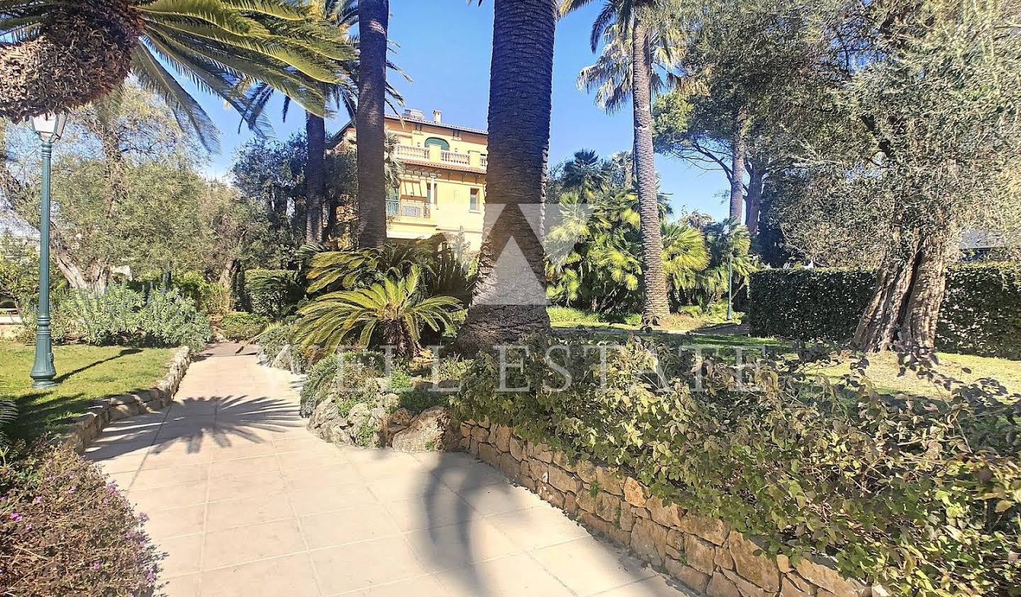 Apartment with pool Antibes