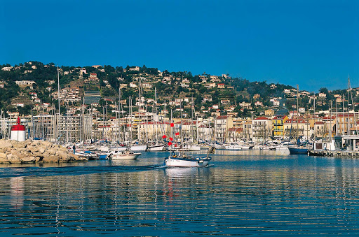 France-Golfe-Juan-port.jpg - The marina in Golfe-Juan along the French Riviera.
