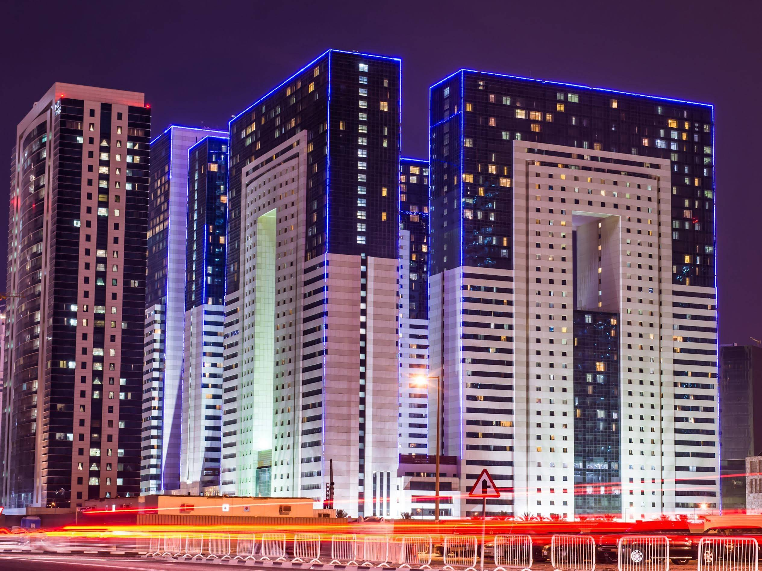 Ezdan Hotel & Suites
