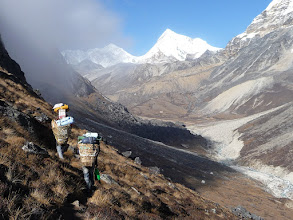 Photo: Porters in Hunku valley