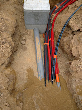 Photo: leidingen beneden aan de oprit