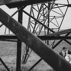 Wedding photographer Dmitriy Kamenskiy (DiKiy). Photo of 20.10.2016