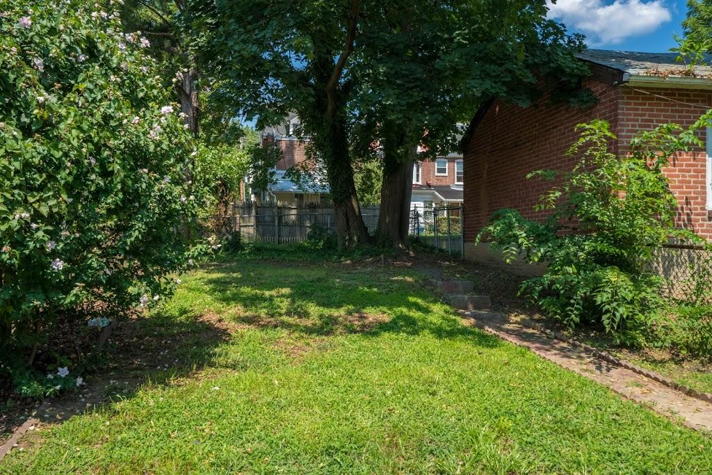 backyard-10-e-17th-street-chester