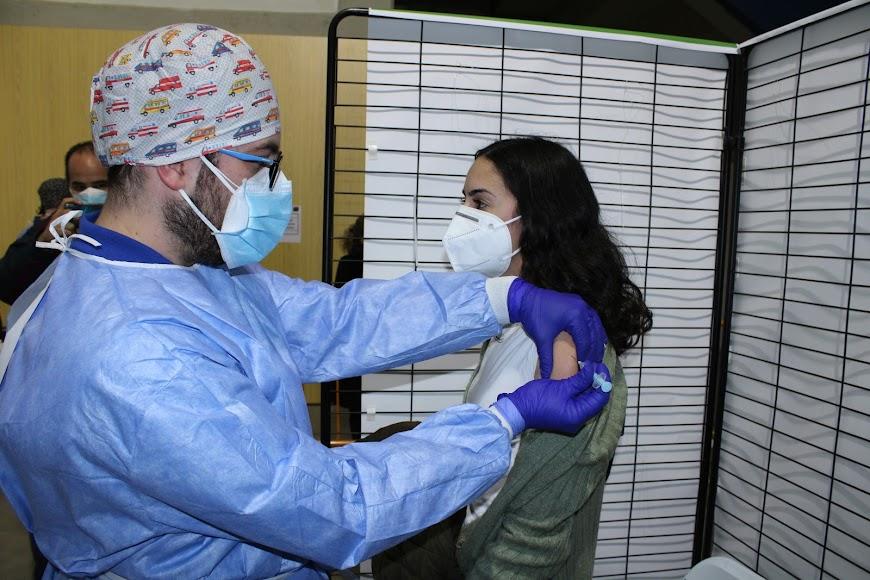 La vacuna anticovid llega a los almerienses en el Palacio de los Juegos Mediterráneos.