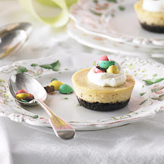 White Chocolate Cheesecakes with Chocolate Easter Eggs