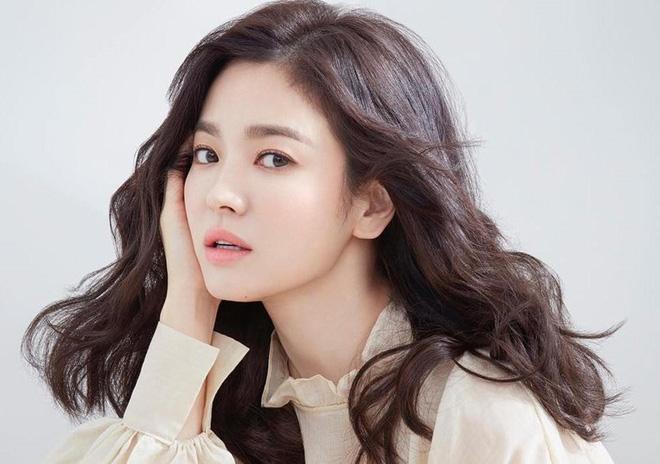 make up sương sương với Song Hye Kyo