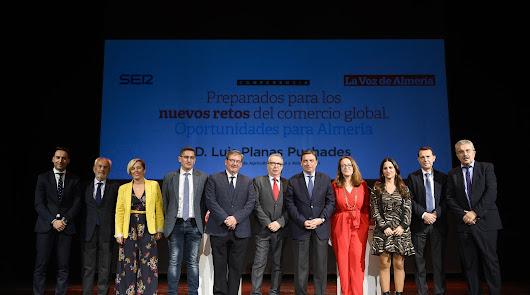 El ministro Luis Planas defiende la fortaleza del campo almeriense