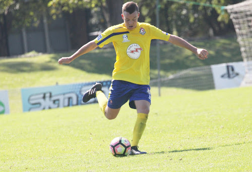 Narrabri boy Cooper Brayshaw in action for the Lake Macquarie City Roosters Northern NSW National Premier League under-18 side.