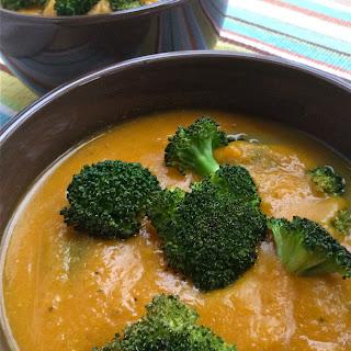 Cheesy Sweet Potato and Broccoli Soup – Vegan