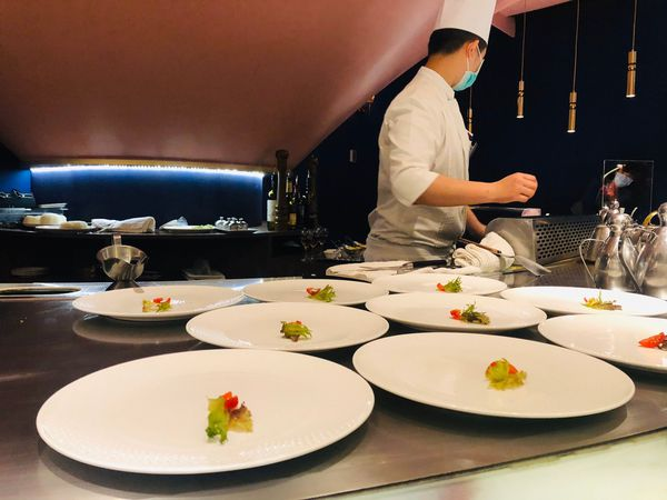 夏慕尼香榭鐵板燒・王品集團旗下高規格服務餐廳