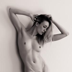 Katy_Cee_studio_nude_2J2U3609-Edit.jpg