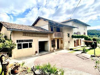 maison à Saint-verand (38)