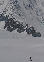Photo: Going to the east ridge. 7 km left.
