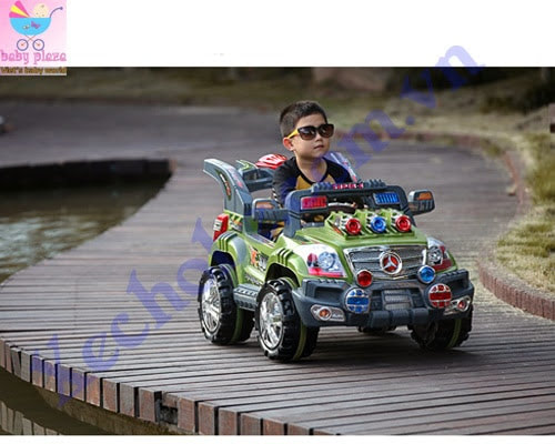 Xe hơi điện cho bé A032 5