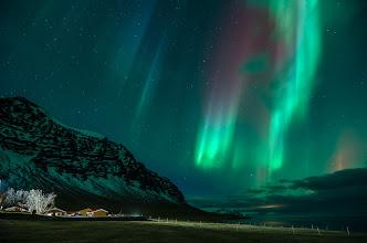 Photo: Un'altra grande aurora boreale ripresa da Simone Renoldi durante uno dei viaggi in Islanda di 90° EST a caccia di aurore. Il viaggio: http://www.90est.it/islanda-aurora-boreale.html L'autore: http://saimonphilips.blogspot.it/
